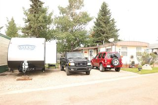 Photo 2: 38 5800 46 Street: Olds Mobile for sale : MLS®# A1022500