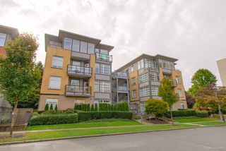 Photo 1: 103 5692 KINGS ROAD in Vancouver: University VW Condo for sale (Vancouver West)  : MLS®# R2502876