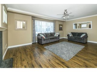 """Photo 3: 16 8880 NOWELL Street in Chilliwack: Chilliwack E Young-Yale Townhouse for sale in """"PARK SIDE"""" : MLS®# R2404652"""