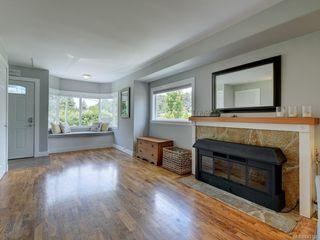 Photo 3: 3253 Wicklow St in Saanich: SE Maplewood House for sale (Saanich East)  : MLS®# 843126