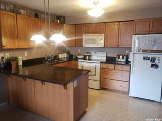Photo 3: 404 150 Pawlychenko Lane in Saskatoon: Lakewood S.C. Residential for sale : MLS®# SK824149