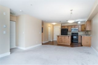 """Photo 8: 205 30525 CARDINAL Avenue in Abbotsford: Abbotsford West Condo for sale in """"Tamarind West"""" : MLS®# R2492594"""