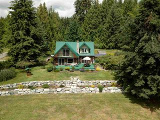 Photo 1: 736 MANSFIELD Road: Roberts Creek House for sale (Sunshine Coast)  : MLS®# R2400940