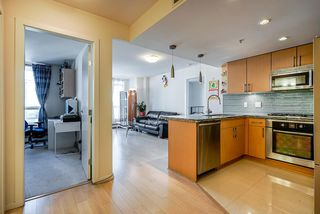 Photo 4: 904 1887 CROWE Street in Vancouver: False Creek Condo for sale (Vancouver West)  : MLS®# R2417358