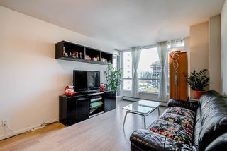 Photo 8: 904 1887 CROWE Street in Vancouver: False Creek Condo for sale (Vancouver West)  : MLS®# R2417358