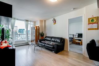 Photo 7: 904 1887 CROWE Street in Vancouver: False Creek Condo for sale (Vancouver West)  : MLS®# R2417358