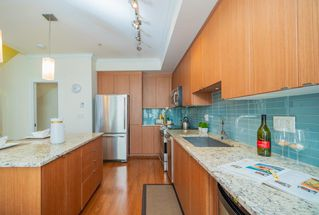 "Photo 4: 209 735 W 15TH Street in North Vancouver: Mosquito Creek Townhouse for sale in ""SEVEN 35"" : MLS®# R2428488"