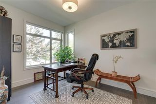 Photo 4: 3610- 2 Street  SW in Calgary: Parkhill Detached for sale : MLS®# C4274541