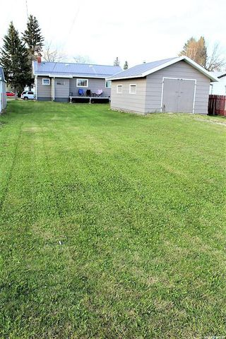 Photo 12: 417 Burrows Avenue West in Melfort: Residential for sale : MLS®# SK810201