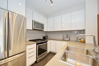 """Photo 12: 404 607 COTTONWOOD Avenue in Coquitlam: Coquitlam West Condo for sale in """"STANTON HOUSE BY POLYGON"""" : MLS®# R2473996"""