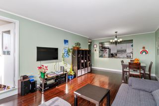 """Photo 5: 2007 9521 CARDSTON Court in Burnaby: Government Road Condo for sale in """"CONCORD PLACE"""" (Burnaby North)  : MLS®# R2524995"""