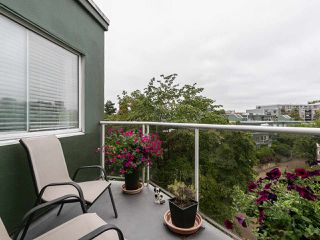 """Photo 8: 502 1508 MARINER Walk in Vancouver: False Creek Condo for sale in """"MARINER POINT"""" (Vancouver West)  : MLS®# R2526484"""