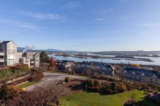 """Photo 2: 410 60 RICHMOND Street in New Westminster: Fraserview NW Condo for sale in """"Gatehouse Place"""" : MLS®# R2421059"""