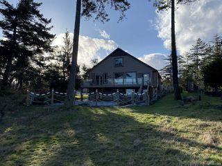 Photo 3: 706 Alvord Cres in COMOX: CV Comox Peninsula House for sale (Comox Valley)  : MLS®# 832809