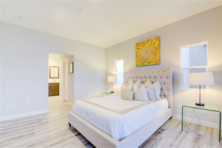 Photo 10: IMPERIAL BEACH House for sale : 4 bedrooms : 1253 Cypress Ave