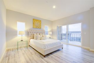 Photo 9: IMPERIAL BEACH House for sale : 4 bedrooms : 1253 Cypress Ave