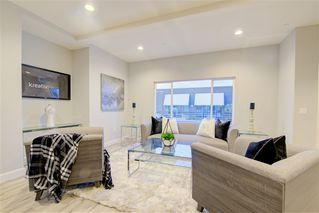 Photo 5: IMPERIAL BEACH House for sale : 4 bedrooms : 1253 Cypress Ave