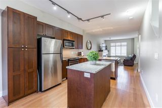 """Photo 2: 17 19478 65 Avenue in Surrey: Clayton Townhouse for sale in """"Sunset Grove"""" (Cloverdale)  : MLS®# R2447134"""