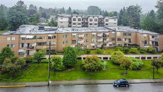 """Photo 2: 1 11900 228 Street in Maple Ridge: East Central Condo for sale in """"Moonlite Grove"""" : MLS®# R2471261"""