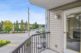 """Photo 15: 317 5759 GLOVER Road in Langley: Langley City Condo for sale in """"College Court"""" : MLS®# R2493395"""