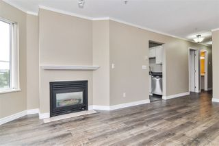 """Photo 3: 317 5759 GLOVER Road in Langley: Langley City Condo for sale in """"College Court"""" : MLS®# R2493395"""