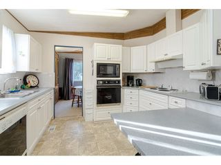 """Photo 14: 84 2270 196 Street in Langley: Brookswood Langley Manufactured Home for sale in """"Pineridge Park"""" : MLS®# R2511479"""