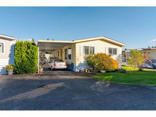 """Photo 2: 84 2270 196 Street in Langley: Brookswood Langley Manufactured Home for sale in """"Pineridge Park"""" : MLS®# R2511479"""