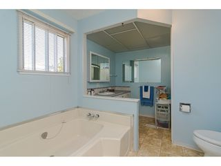 """Photo 19: 84 2270 196 Street in Langley: Brookswood Langley Manufactured Home for sale in """"Pineridge Park"""" : MLS®# R2511479"""