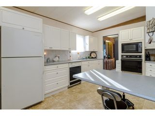 """Photo 12: 84 2270 196 Street in Langley: Brookswood Langley Manufactured Home for sale in """"Pineridge Park"""" : MLS®# R2511479"""
