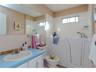 """Photo 16: 84 2270 196 Street in Langley: Brookswood Langley Manufactured Home for sale in """"Pineridge Park"""" : MLS®# R2511479"""