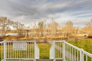 Photo 4: 99 Inglewood Cove SE in Calgary: Inglewood Semi Detached for sale : MLS®# A1049668