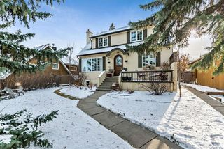 Main Photo: 527 Sunderland Avenue SW in Calgary: Scarboro Detached for sale : MLS®# A1061411