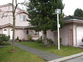Photo 2: 106 1140 CASTLE CR in Port_Coquitlam: Citadel PQ Townhouse for sale (Port Coquitlam)  : MLS®# V321948