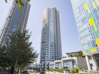 """Photo 1: 1502 1788 GILMORE Avenue in Burnaby: Brentwood Park Condo for sale in """"Escala"""" (Burnaby North)  : MLS®# R2395236"""