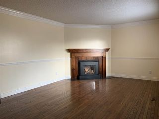 Photo 6: 5845 RIVERBEND Road in Edmonton: Zone 14 Townhouse for sale : MLS®# E4174564