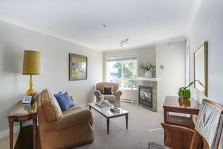 Photo 7: 302 128 W 21ST STREET in North Vancouver: Central Lonsdale Condo for sale : MLS®# R2408450