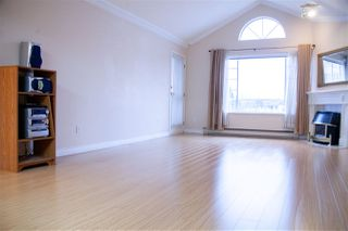 "Photo 10: 301 5375 205 Street in Langley: Langley City Condo for sale in ""GLENMONT PARK"" : MLS®# R2426917"