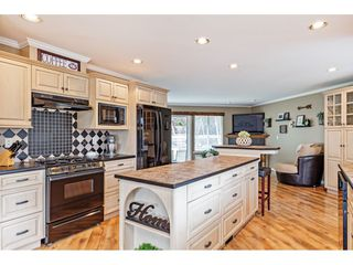 "Photo 4: 35472 STRATHCONA Court in Abbotsford: Abbotsford East House for sale in ""McKinley Heights"" : MLS®# R2448464"