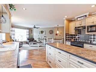 "Photo 8: 35472 STRATHCONA Court in Abbotsford: Abbotsford East House for sale in ""McKinley Heights"" : MLS®# R2448464"