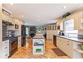 "Photo 3: 35472 STRATHCONA Court in Abbotsford: Abbotsford East House for sale in ""McKinley Heights"" : MLS®# R2448464"