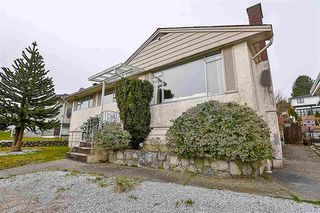 Photo 2: 551 GARFIELD Street in New Westminster: The Heights NW House for sale : MLS®# R2481223