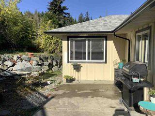 Photo 1: 5589 MEDUSA Place in Sechelt: Sechelt District House for sale (Sunshine Coast)  : MLS®# R2515689