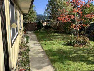 Photo 2: 5589 MEDUSA Place in Sechelt: Sechelt District House for sale (Sunshine Coast)  : MLS®# R2515689