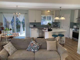 Photo 4: 5589 MEDUSA Place in Sechelt: Sechelt District House for sale (Sunshine Coast)  : MLS®# R2515689