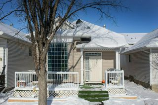 Photo 2: 74 Martinridge Crescent NE in Calgary: Martindale Detached for sale : MLS®# A1049043