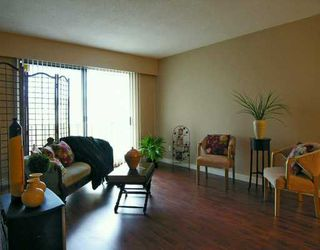 "Photo 1: 610 3RD Ave in New Westminster: Uptown NW Condo for sale in ""Jae Mar Court"" : MLS®# V620934"