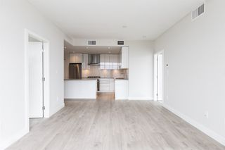 """Photo 3: 3308 1788 GILMORE Avenue in Burnaby: Brentwood Park Condo for sale in """"Escala"""" (Burnaby North)  : MLS®# R2399305"""