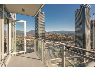 """Photo 18: 2806 4485 SKYLINE Drive in Burnaby: Brentwood Park Condo for sale in """"ALTUS - Solo"""" (Burnaby North)  : MLS®# R2416495"""