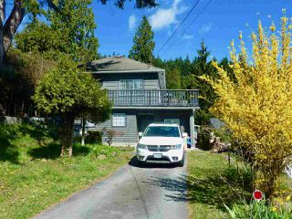 """Photo 2: 795 MARINE Drive in Gibsons: Gibsons & Area House for sale in """"Granthams Landing"""" (Sunshine Coast)  : MLS®# R2449782"""