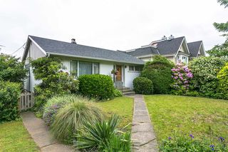 Main Photo: 215 W KEITH Road in North Vancouver: Lower Lonsdale House for sale : MLS®# R2473663